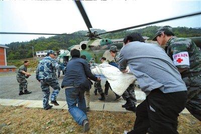 12名老兵组成救援队赶赴芦山 10年来多次救援
